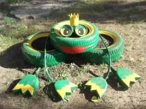 Лягушка-царевна из покрышек