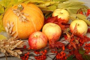Тыква и яблоки