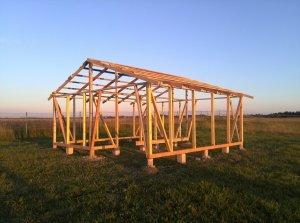 Строительство конюшни