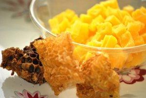 Польза пчелиного воска