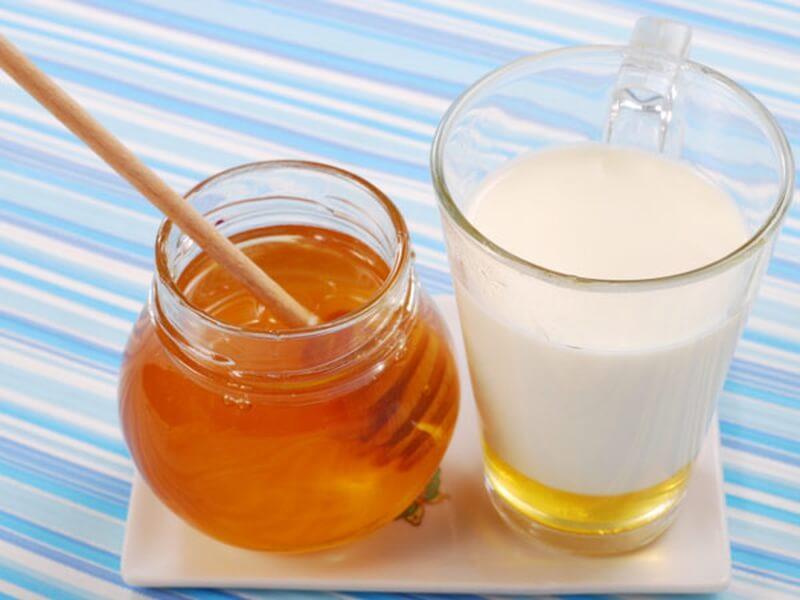 Мед с пыльцой и молоком