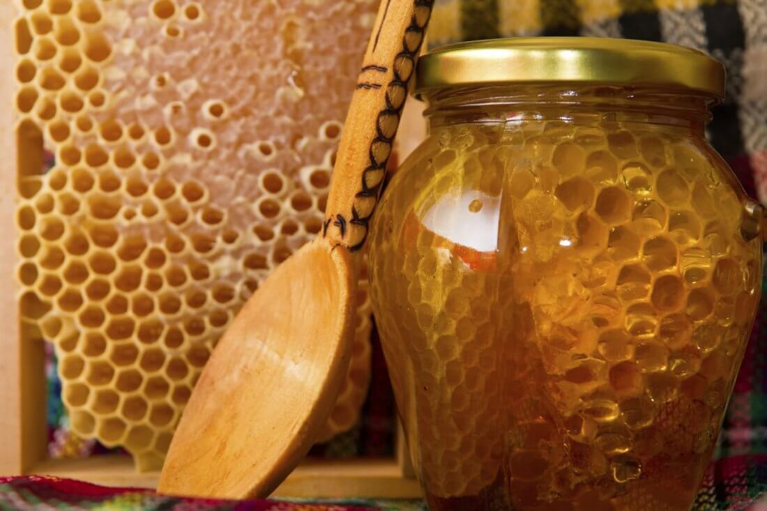 Употребление пчелиных сот