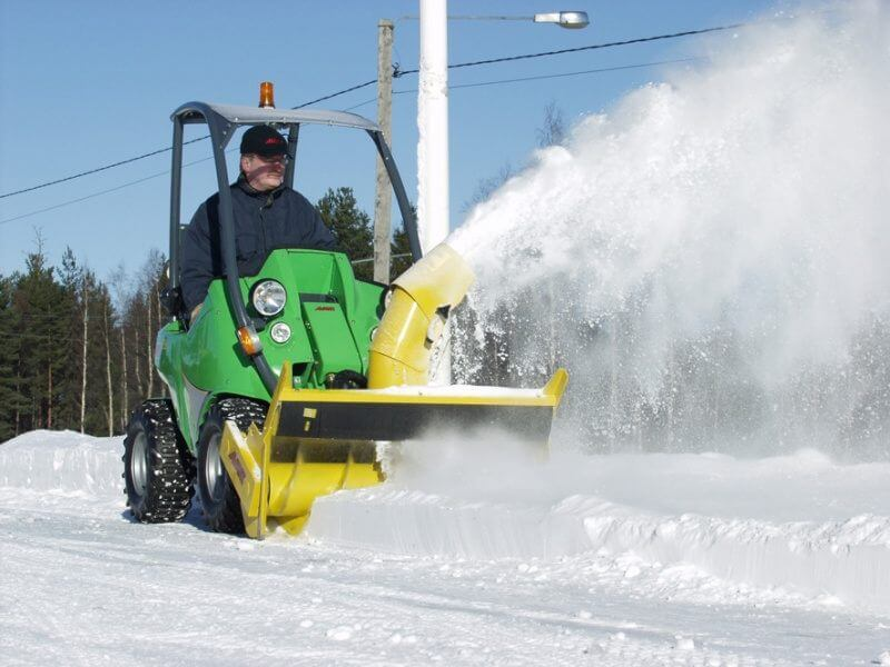 Снегоуборочная техника в действии