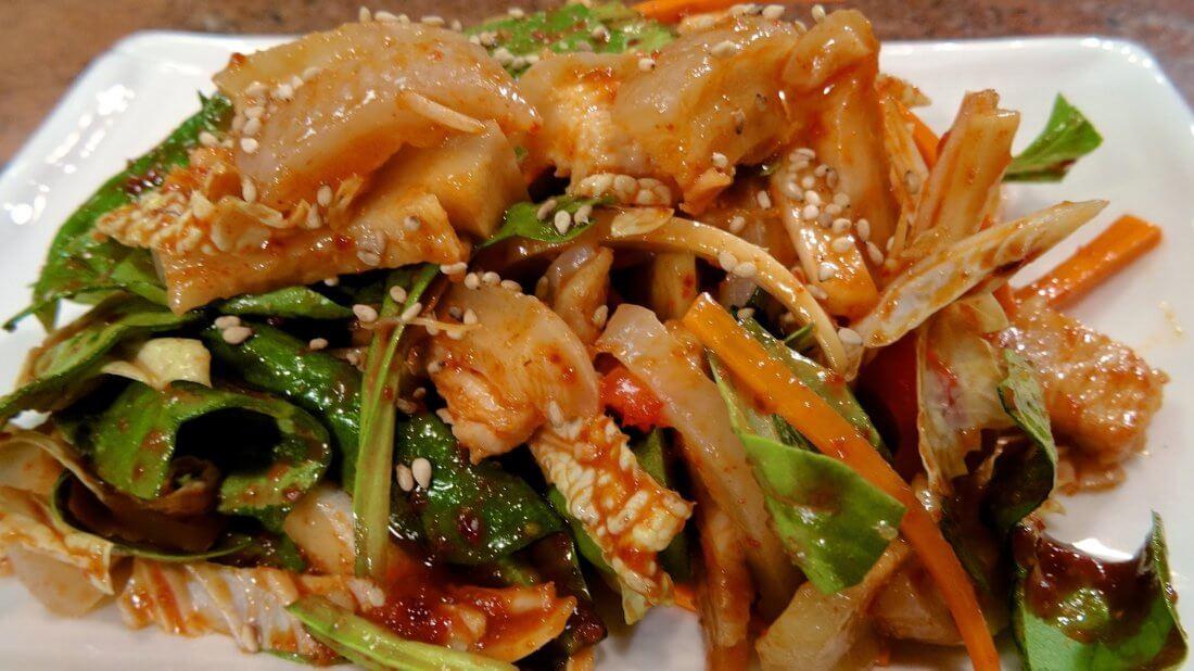 Корейская закуска из свиной шкурки