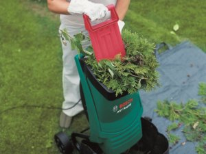Использование измельчителя для сада