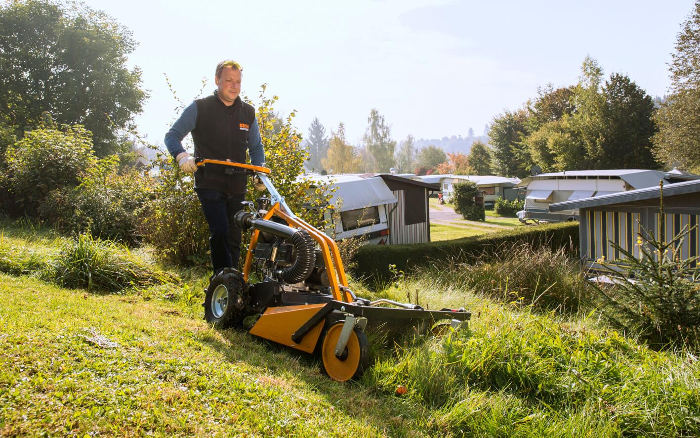 Какая газонокосилка нужна для высокой травы и как её правильно выбрать